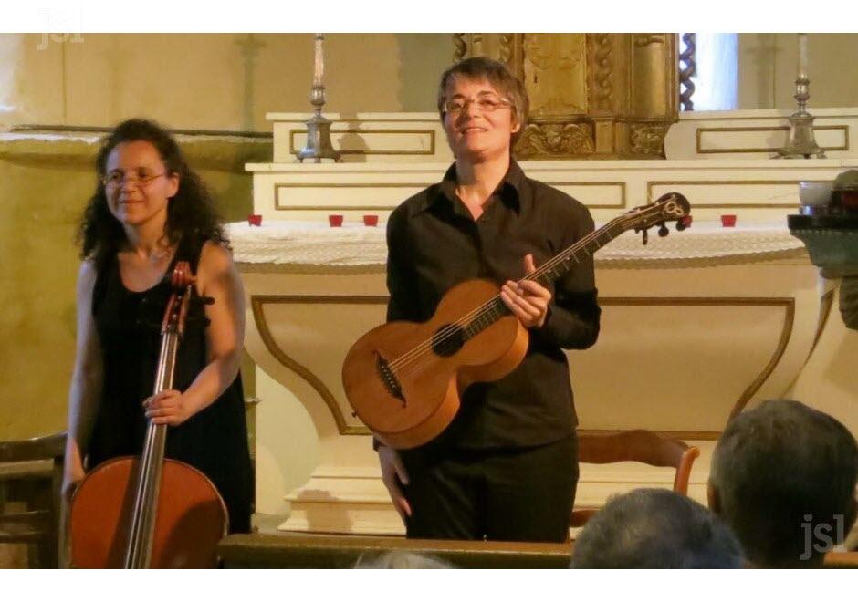 les-deux-musiciennes-virtuoses-hager-hanana-violoncelle-et-caroline-delume-guitare-et-guitare-terz-photo-j-c-v-clp-1462194157