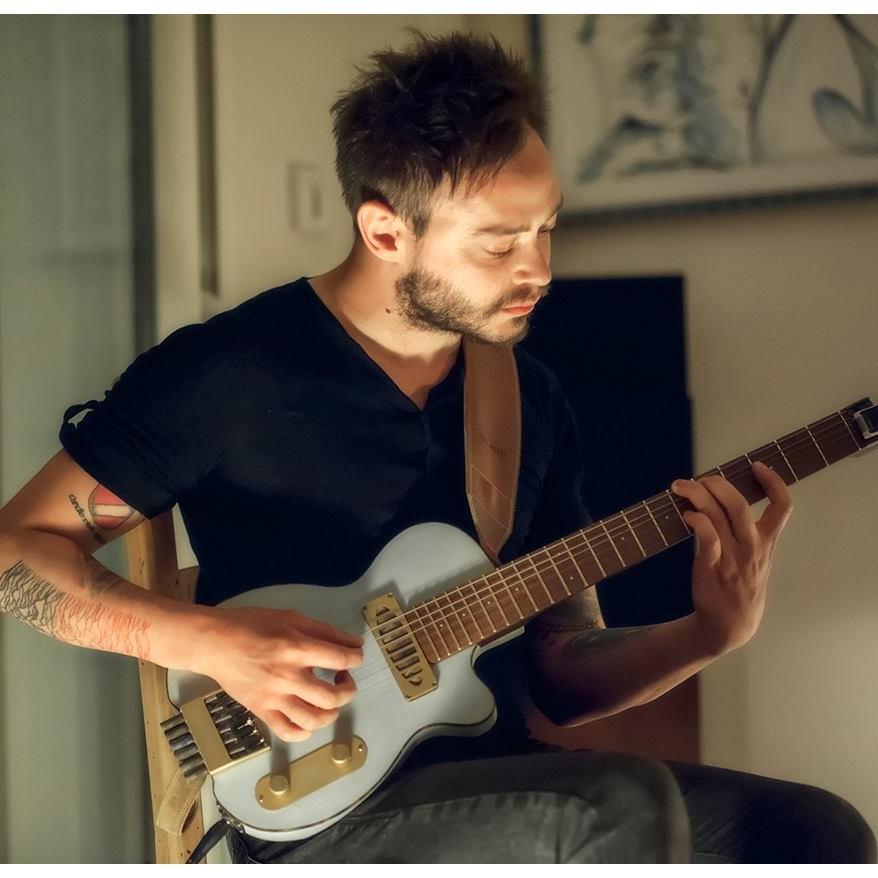 Charlie_Rauh-Guitarist2