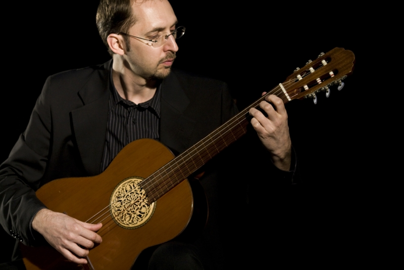 fernando_perez__arabic_fretless_guitar